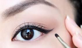 EyeLiner Available in Pakistan