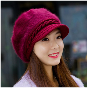 d7236b047cf Different ways to wear women s winter cap and look cute