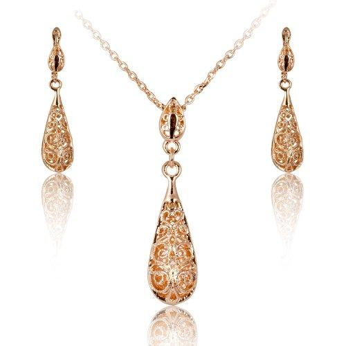 Gold Plated Antique Style Pendant Necklace and Earring